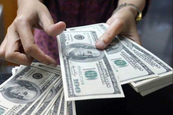 نوسان دلار در ایران بعد از سقوط کابل